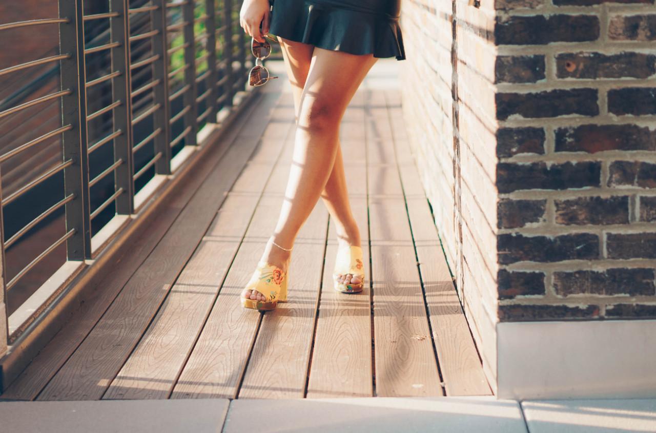 Кожаные юбки: модные образы и фасоны