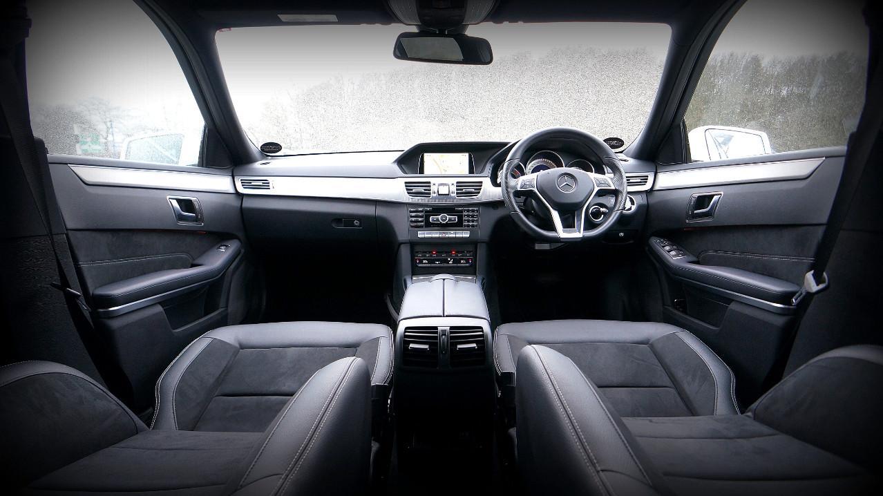 Кожаные или тканевые автомобильные сиденья?